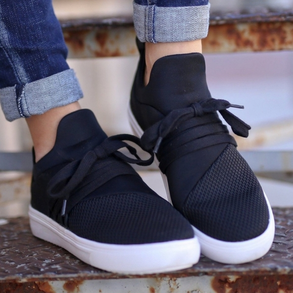 Steve Madden Shoes | Lancer Sneaker